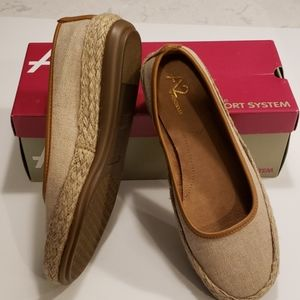 A2 by Aerosoles Natural Fabric Loafer Size 8